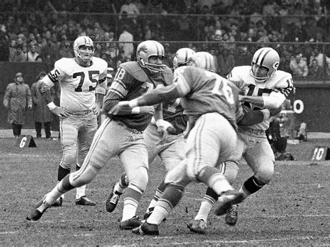 lombardi packers stunned  lions  thanksgiving