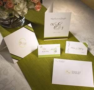 Free online wedding invitations email wedding programs for Avery wedding program templates