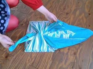 Comment Faire Un Sac : furoshiki comment faire un sac avec un tissu japonais1 youtube ~ Melissatoandfro.com Idées de Décoration