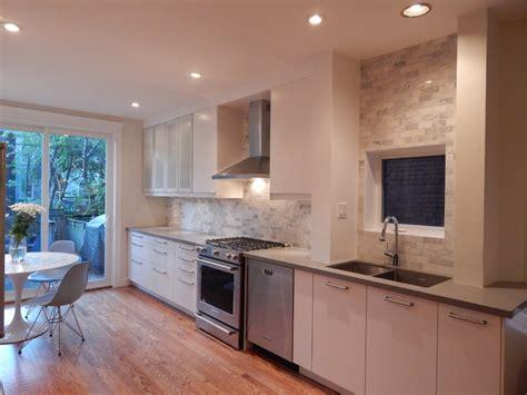 cuisine ouverte cuisine idee cuisine ouverte sur salon avec blanc couleur