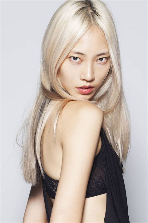 History Of Platinum Hair by Korean Model Soo Joo Known For Platinum Locks