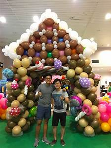 Large Balloon House Sculpture THAT Balloons