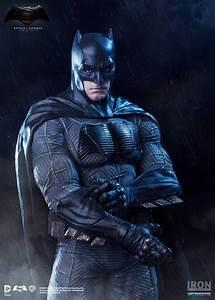 Relax, Fans: 'Batman V Superman' Won't Flop, Despite Rumors