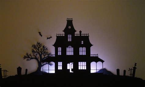 birshykat haunted house silhouette