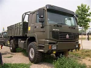 Volvo 4x4 : howo 4x4 military truck china using volvo fl cab cars trucks boats bikes pinterest ~ Gottalentnigeria.com Avis de Voitures
