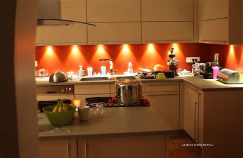 deco meuble cuisine decoration cuisine bleu et jaune