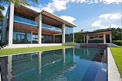 $23.5 Million Newly Built Modern Waterfront Mansion In