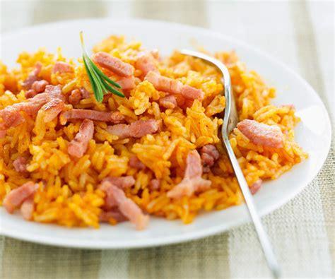 cuisine avec du riz riz gourmand à la sauce tomate et au jambon