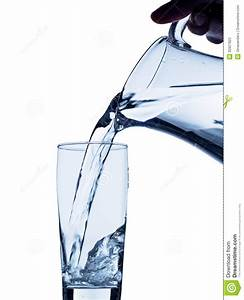 Pitcher Pouring Water Clipart - Clipart Suggest