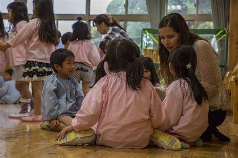 preschool volunteer iwakuni residents volunteer at local preschool gt marine 886