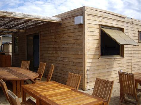 cuisine resto construction modulaire en bois pour un snack de plage