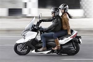 X Max 400 Prix : yamaha x max 400 scooter de amplio espectro club del motorista kmcero ~ Medecine-chirurgie-esthetiques.com Avis de Voitures