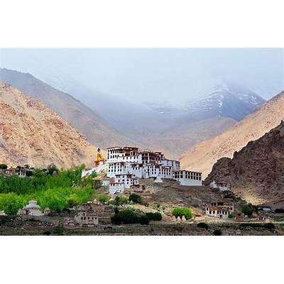 Top 10 Best Places to Visit in Leh-LadakhTourist