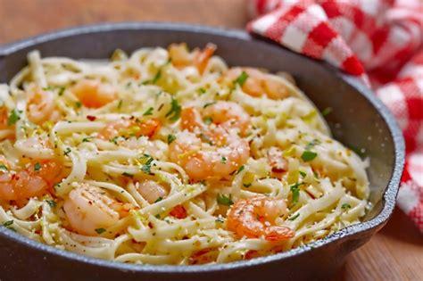 pate aux crevettes et ail recette de plat principal spaghetti aux crevettes et beurre 224 l ail sur tounsia net