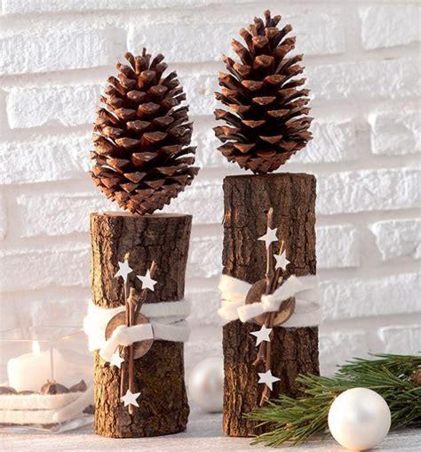 basteln mit tannenzapfen weihnachten die besten 17 ideen zu stehpulte auf l tisch