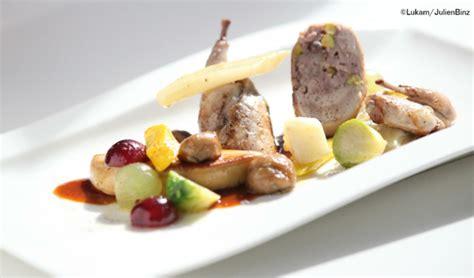 cuisiner un foie gras frais cailles farcies escalope de foie gras poêlé légumes d