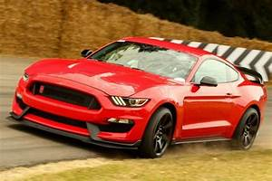 We Now Know Just How Much The Mustang Shelby GT350 And GT350R Will Weigh | CarBuzz
