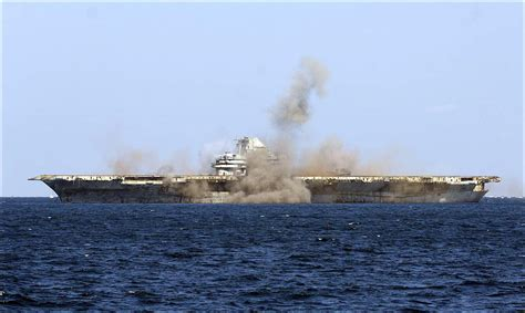 Uss America Sinking Pictures by Sinking Of The Aircraft Carrier Uss Oriskany May 17 2006
