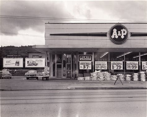 « back to johnstown, pa. In a perfect trifecta of grocery stores - this is the old A & P at the corner of Fairfield ...