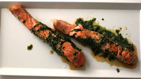 Recete Gatimi - Salmon i mbushur me krem spinaqi - YouTube