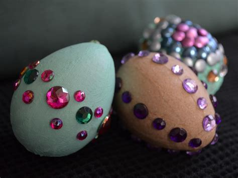 easy egg decorating ideas easter egg decorating ideas easy crafts and homemade decorating gift ideas hgtv