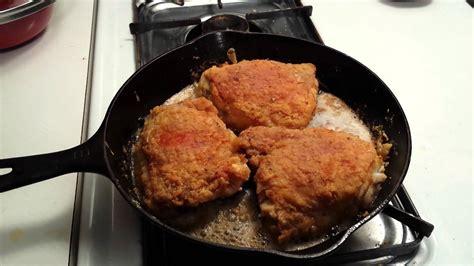 chicken cast iron skillet sizzlin fried chicken cast iron skillet youtube