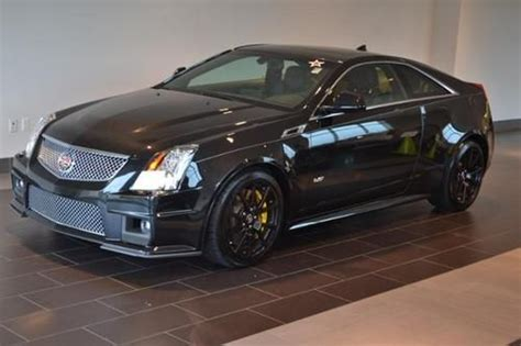 sell   cadillac cts  coupe  door   norwood