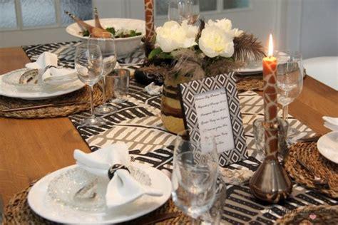 Eine Afrikanische Tischdekoration Und Unsere Liebe Zu