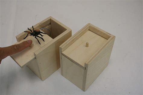 ehemco amish handcrafted surprise box hilarious spider