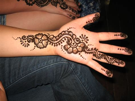 simple henna tattoo  hand