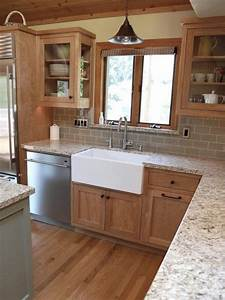 kitchens with oak cabinets 2021