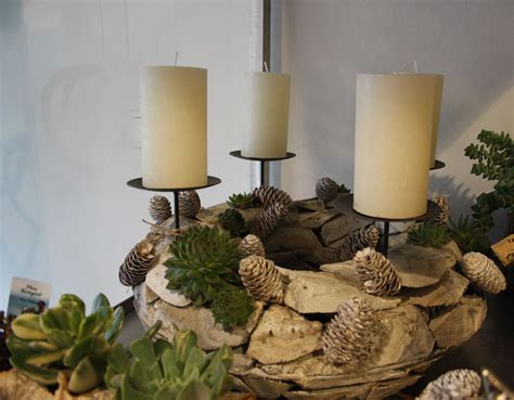 Weihnachtsgestecke Aus Holz by Adventskranz Aus Holz Mit Sukkulenten Advent Wreath 220 Ber