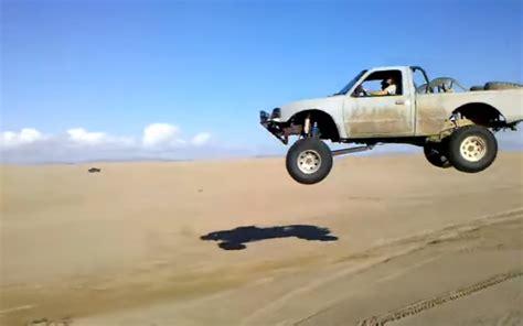 prerunner ranger jump ford ranger goes airborne ford trucks com