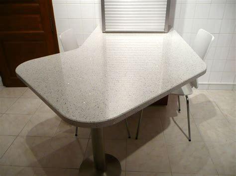 plan de travail cuisine quartz blanc plan de cuisine en quartz blanc pailleté brillante