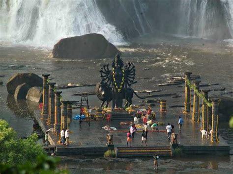 pisharikkal bhagavathy temple  chalakudy temple
