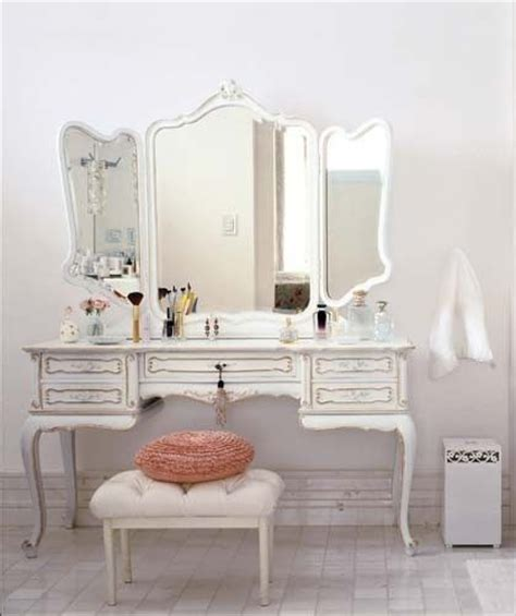 White Vanity Makeup Station by Makeup Vanity Ideas Inspiration Politics Of Pretty