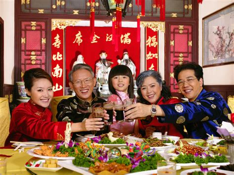 New Celebrate Family Friends Life: 8 Popular Chinese New Year Traditions In The Philippines