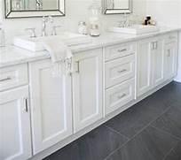 Gray Slate Bathroom Floor Tile by Best 25 Black Slate Floor Ideas On Pinterest Slate Flooring Gray Tile Flo
