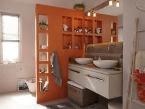 une salle de bain adapt 233 e au handicap leroy merlin