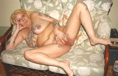 nasty granny slut spreads her legs eagle to show tattooed pussy pichunter