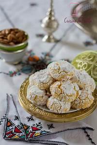 Noix De Coco Recette : ghriba noix de coco semoule cuisine de fadila ~ Dode.kayakingforconservation.com Idées de Décoration