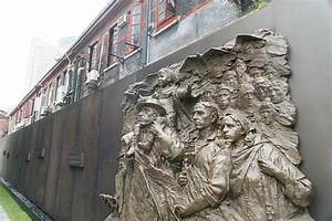 Shanghai Wall Pays Tribute to Jewish Refugees of WWII ...