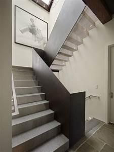 Geländer Für Treppe : moderne innentreppe design ideen aus edelstahl treppen ~ Michelbontemps.com Haus und Dekorationen