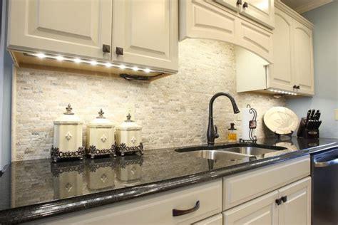 kitchen tile backsplash ideas with white cabinets travertine tile backsplash ideas in exclusive kitchen designs 9839
