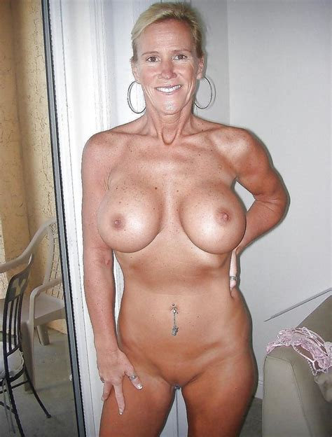 Naked busty American Housewives from social networks, pornography... Original picture #2