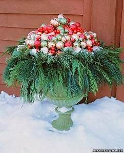 Pine Cones and Acorns Christmas Container Ideas for Your