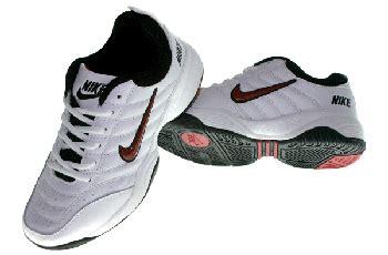 sepatu badminton sepatu zu
