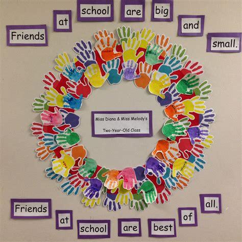 sweet handprint friendship wreath great activity for the 573 | a8de23f4fe5da56b3b73c7dc50eb0e04