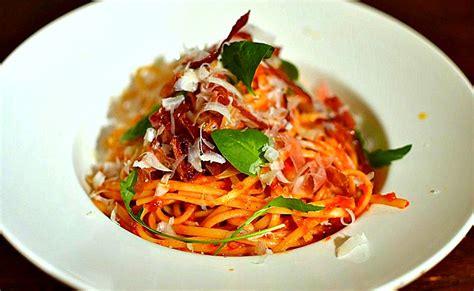 recette de pate italienne linguine au speck roquette et parmesan 224 l italienne