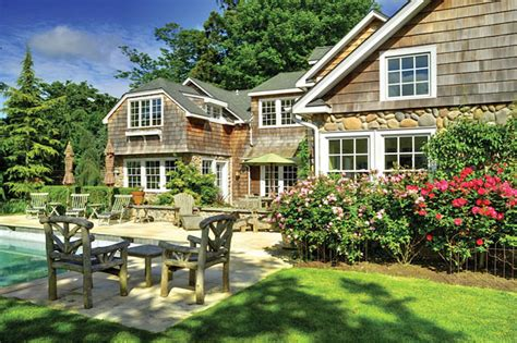 Deeds And Dont's  Hamptons Cottages & Gardens  July 1